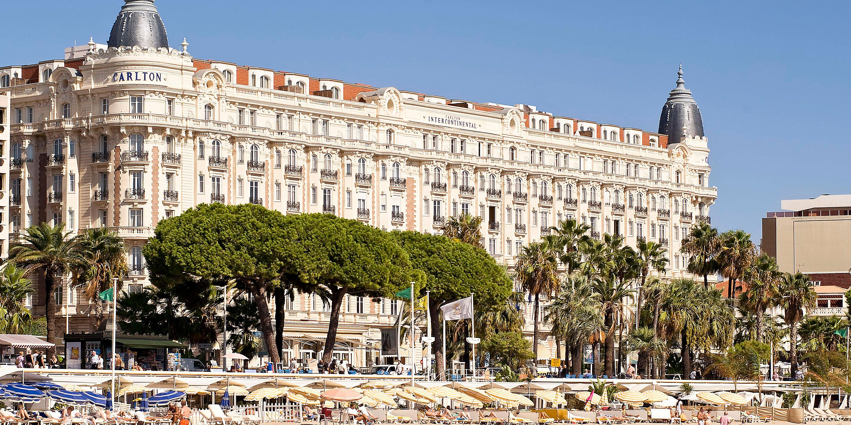 September 2019 – Our famous annual Gala Dinner-Dance at the Carlton Hotel in Cannes